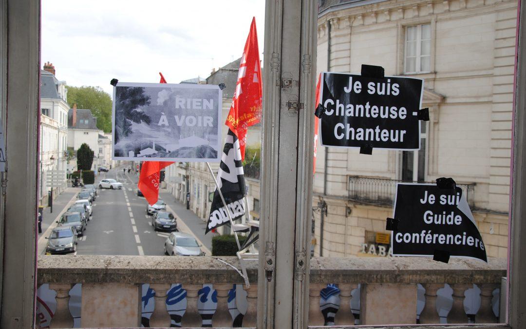 Au Grand Théâtre de Tours, les militants lèvent le rideau sur l'occupation